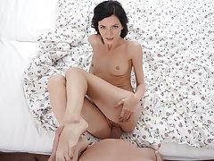 VR porn - Hotel Maid Gets Fucked - SexBabesVR