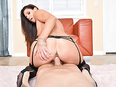 India Summer  Dylan Snow in NaughtyAmericaVR