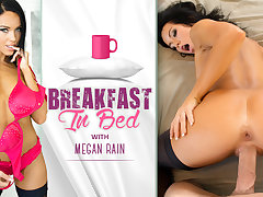 Megan Rain in Breakfast in Bed - WankzVR
