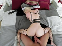 Blonde whore amazes with her premium loopings