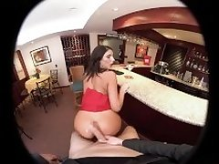 VRBangers - AUGUST AMES GIVE A WORLD CLASS BLOWJOB AT THE BAR